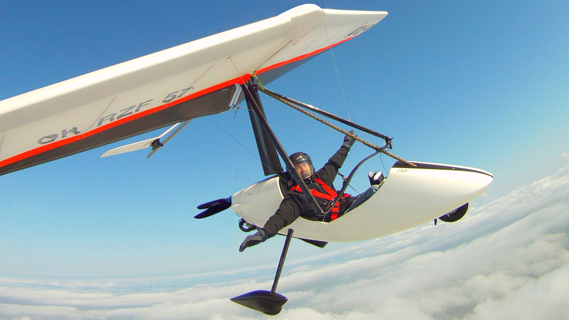 Ultralight design - Where you feel hands as your wings